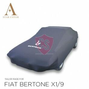 Fiat X 1/9 Autoabdeckung Schwarz mit Bertone Emblem